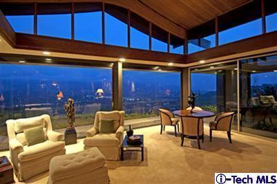 Mid century modern home with priceless views la canada for Luxury homes for sale la